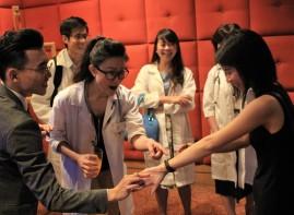 Singapore Modern Bilingual Magician TK Jiang